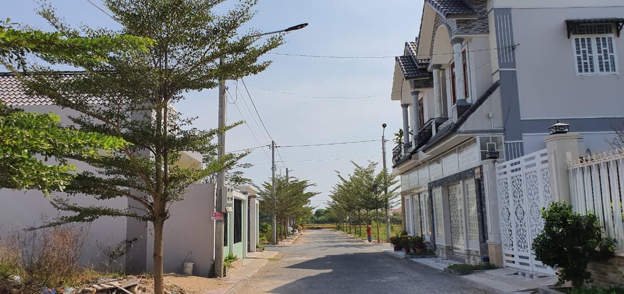 Gả gấp gả nhanh lô đất nền 195.4m2 gần cây xăng số 8 xã Tân Hạnh