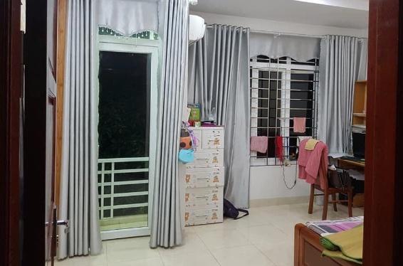 Căn nhà 4,5 tầng ngõ Nguyễn Chí Thanh hướng Đôngchào bán 1.7xx tr để lại toàn bộ nội thất