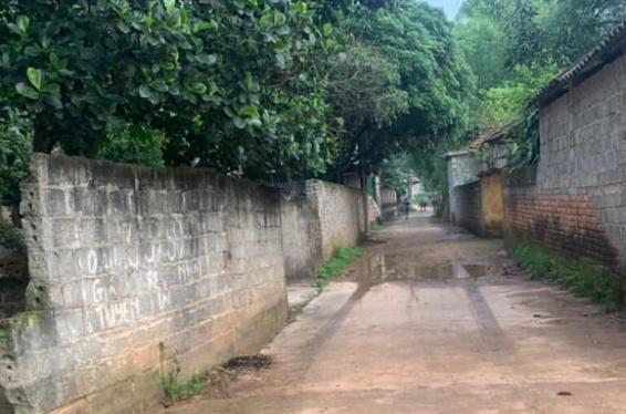 Hương Sơn - Bán lô đất 2 mặt tiền tặng nhà c4